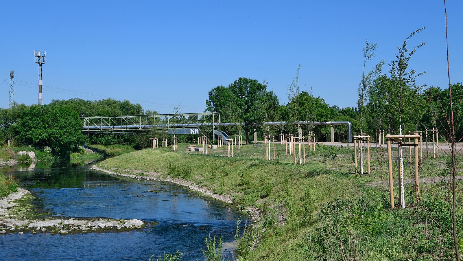 Brücke Gispersleben mit Park